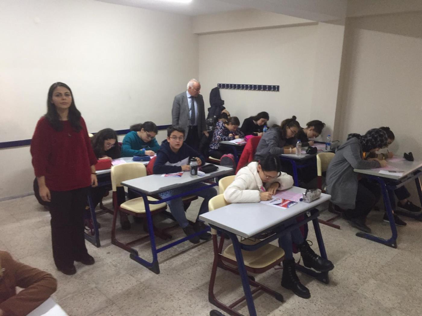 Hedef Lisesi bursluluk sınavına yoğun ilgi