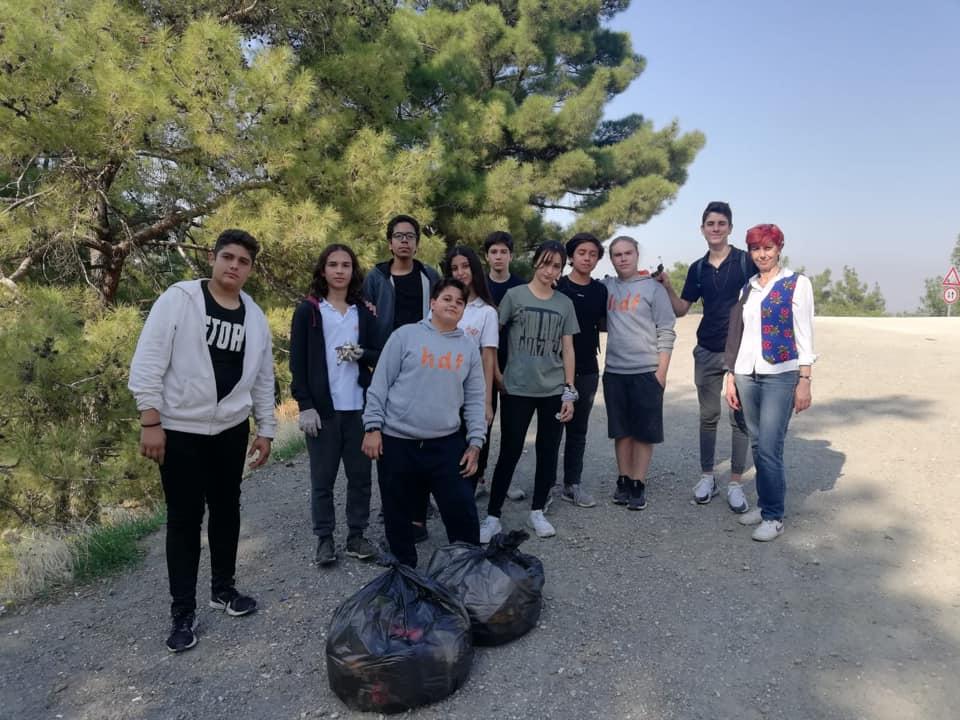 Özel Hedef Anadolu Lisesi Öğrencileri Çevre Temizliği Yaptı